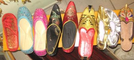 Восточная обувь